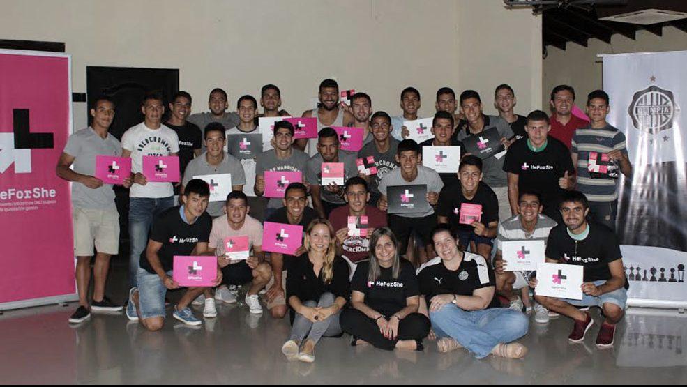 Taller de #HeForShe con los juveniles de la Fundación Franjeada
